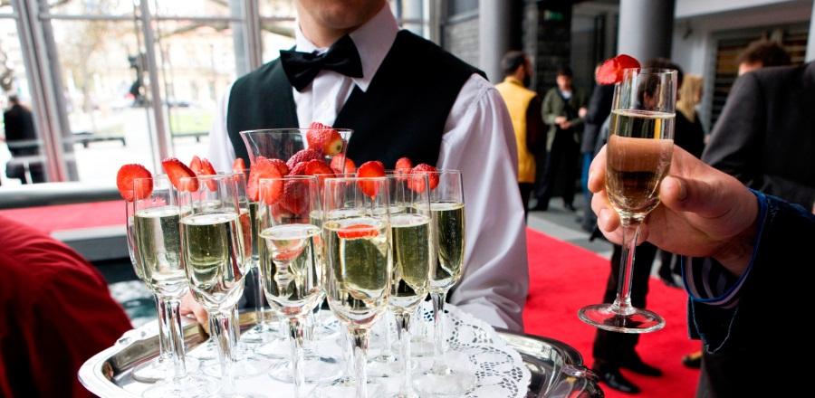 Event Staffing Rentals - Bartenders & Waiters | New York City